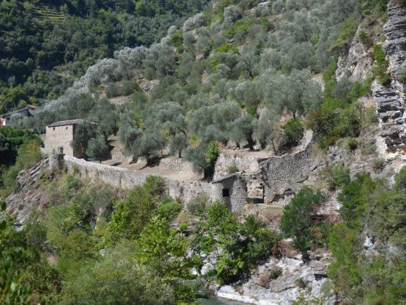 Vestiges du système de fortifications du village de Breil-sur-Roya