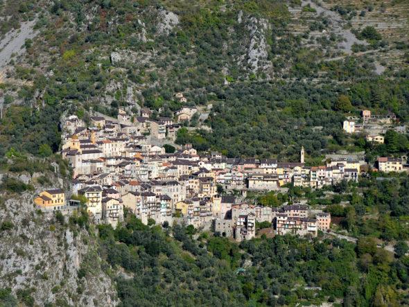 Ensemble du village de Saorge et vestiges de fortifications